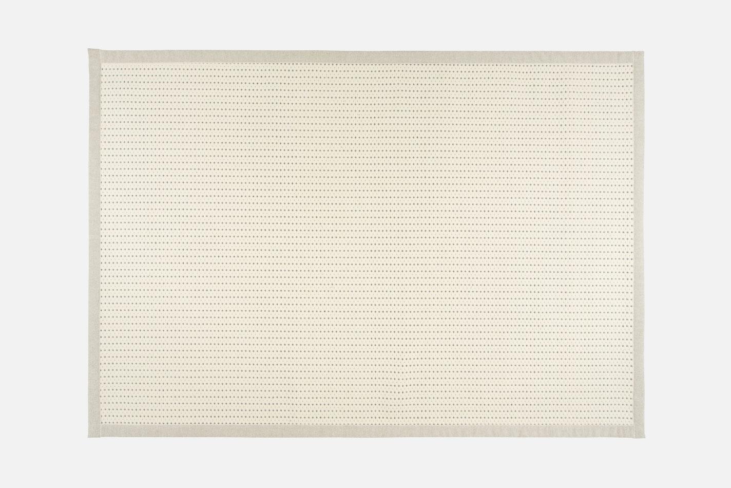 Valkea-white-blue-71_78_VM-Carpet-1