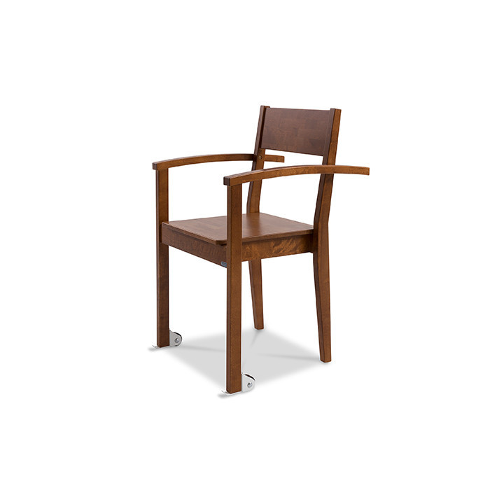 1523360370_joki-tuoli-kasinojilla-ja-pyorilla-tyontokahvat-700x700-jpg